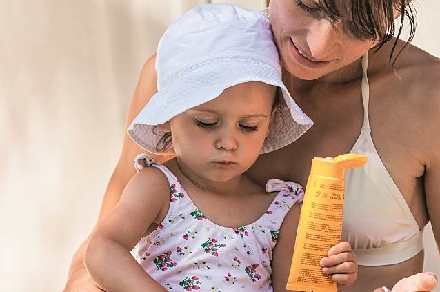 Mamma e bambino, protezione solare